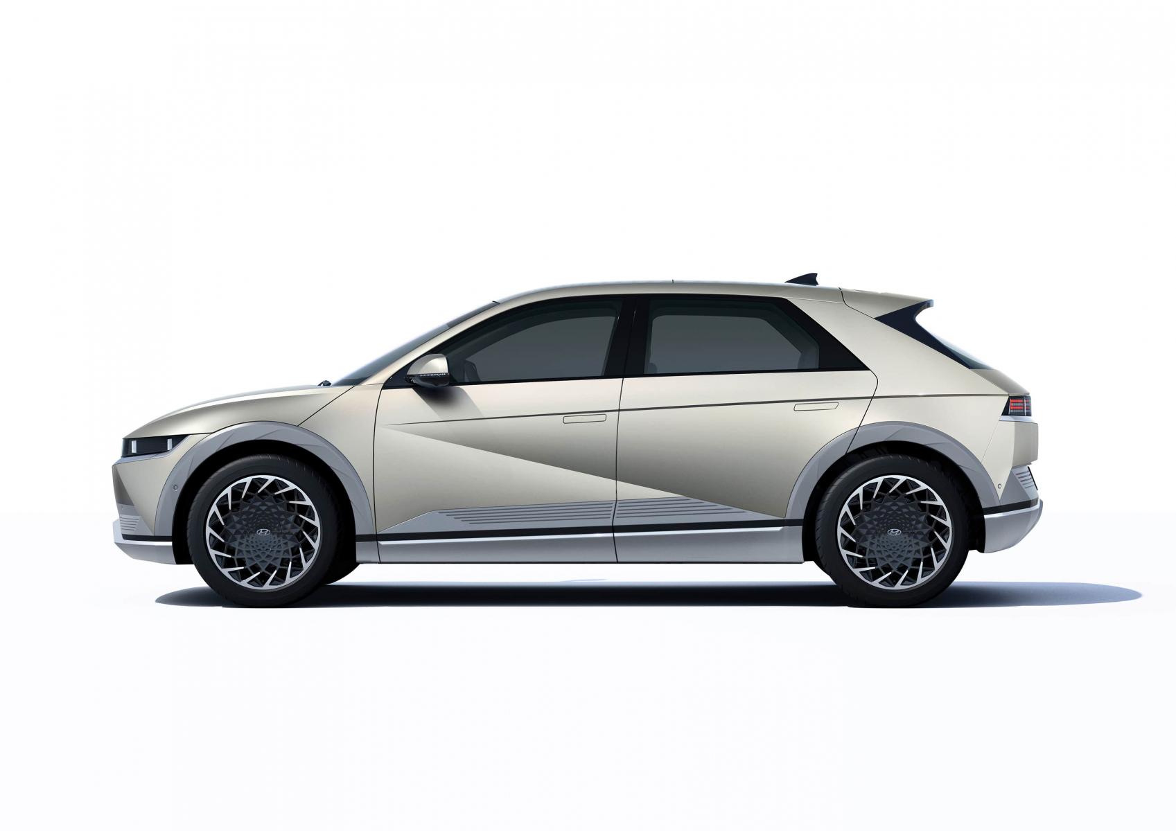 Hyundai IONIQ 5 переосмислює спосіб життя з електричною мобільністю   Дар-Авто - фото 12